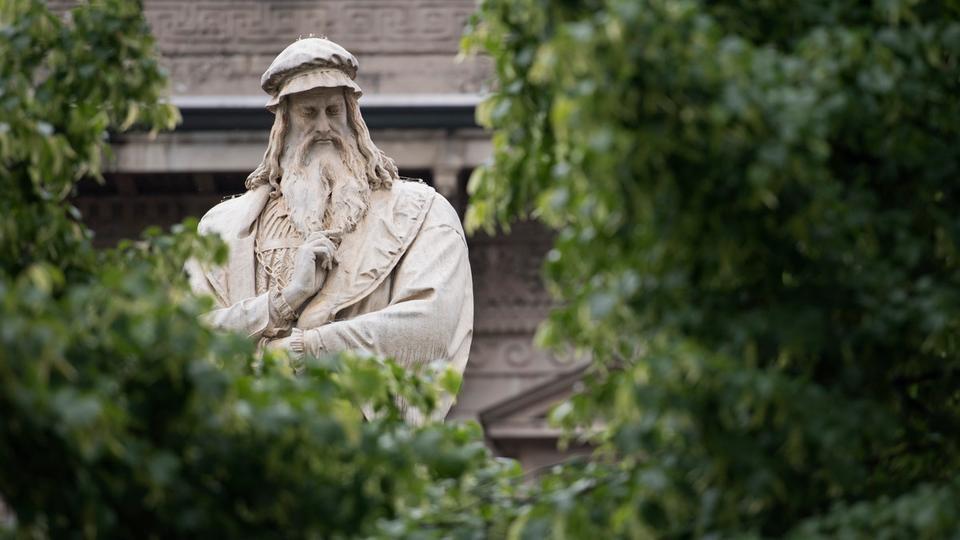 فرضية جديدة حول سبب شلل اليد اليمنى لعبقري عصر النهضة