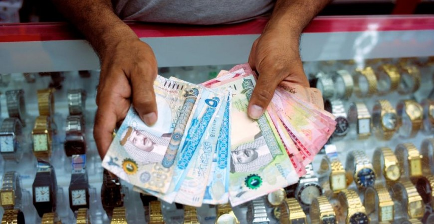 البحرين تسعى إلى تطبيق إصلاحات اقتصادية لضبط الميزانية (رويترز)