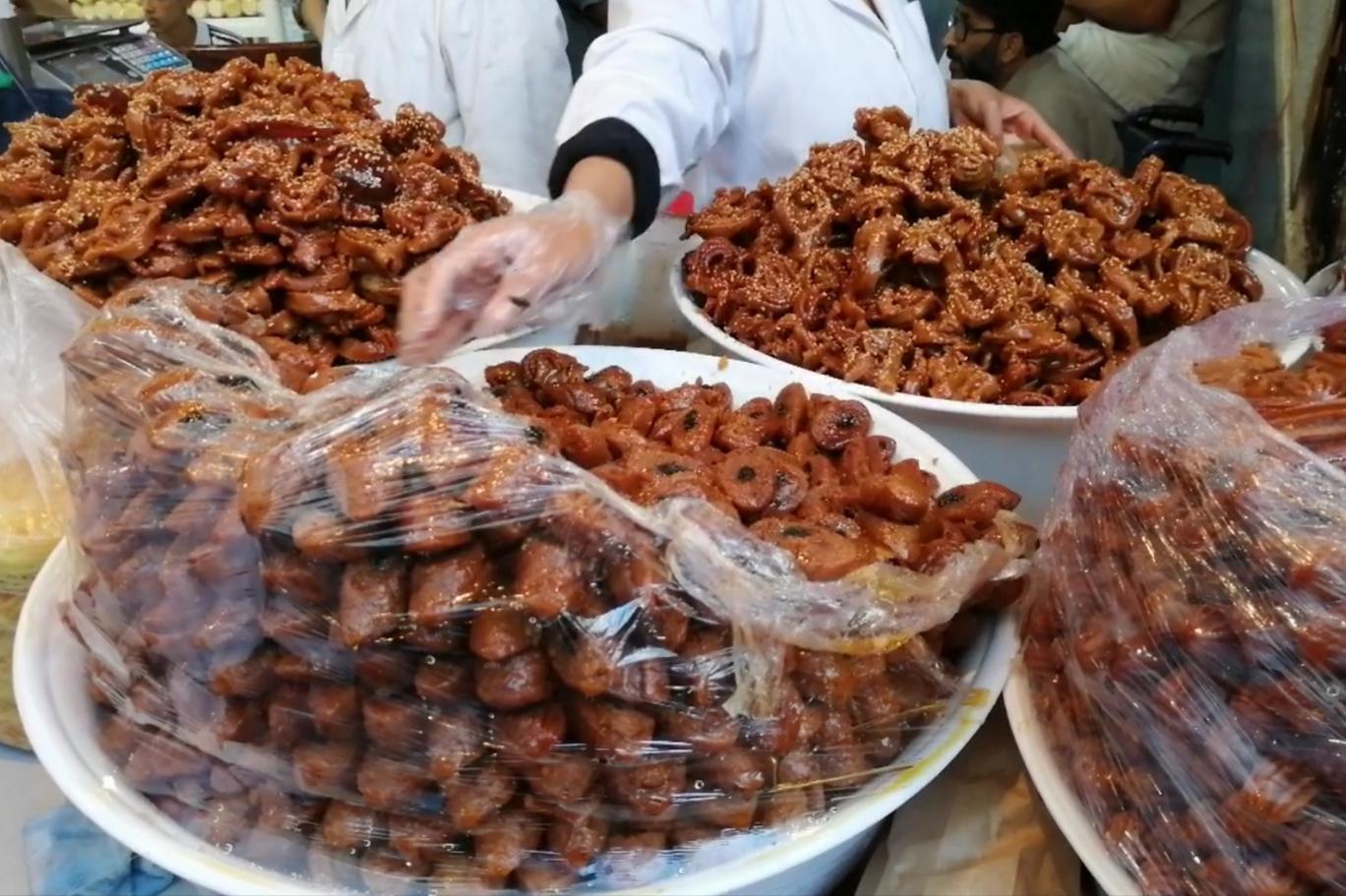 الحريرة والشباكية في المغرب يزينا مائدة رمضان