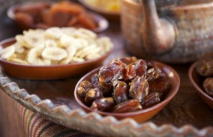 كفارات الإفطار في رمضان.. بينها السفر والمرض والجماع