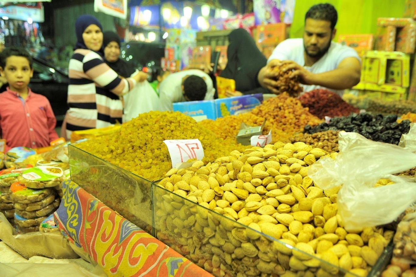 انخفاض في الأسعار وركود بالأسواق المصرية... يا ياميش مين يشتريك؟