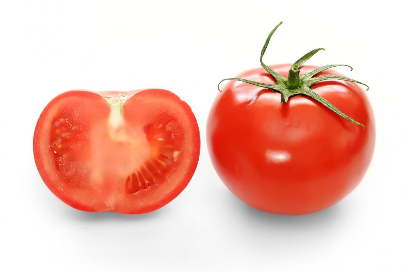 """بفضل بحوث الجينات، تُنتَجْ طماطم بنكهة شهيّة تشبه الأنواع البريّة منها (موقع """"ويكيبيديا.أورغ"""")"""