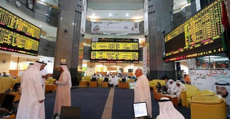 سيطرت عمليات البيع على سوق أبو ظبي في تعاملات الأسبوع الماضي نتيجة توترات المنطقة (رويترز)