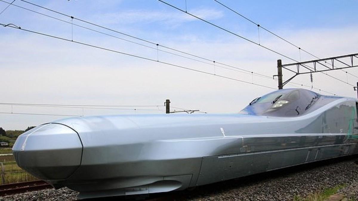 شاهد.. أسرع قطار في العالم ينطلق في هذا البلد!
