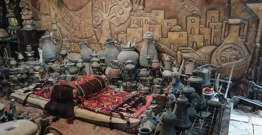 خبراء فلسطينيون وأوروبيون أكدوا أن التحف آثار حقيقية ولها قيمة تاريخية (الجزيرة)