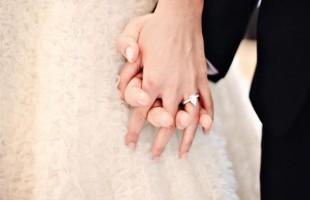 فتاة تسأل: تزوجت منذ ثلاثة شهور ومازلت عذراء.. فما حكم الشرع؟