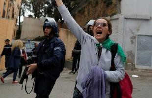 الجزائر: اغلاق ساحة البريد المركزي بسبب الانهيارات