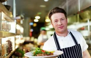 في خطوة تهدد مستقبل ألف وظيفة.. الطاهي جيمي أوليفر يعلن إفلاس 25 من مطاعمه