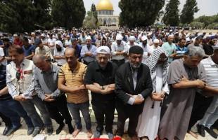 الجمعة الثالثة من رمضان: مئة ألف أدّوا الصلاة في المسجد الأقصى