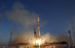 البرق يضرب صاروخاً في طريقه إلى الفضاء! (فيديو)