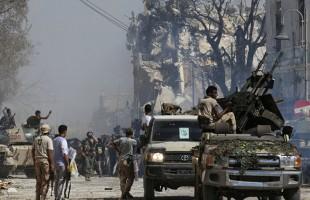 إصابة 18 شخصا في تفجير سياريتن ملغومتين بدرنة الليبية