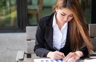 للمرأة العاملة: 6 نصائح للتمتع بزواج سعيد