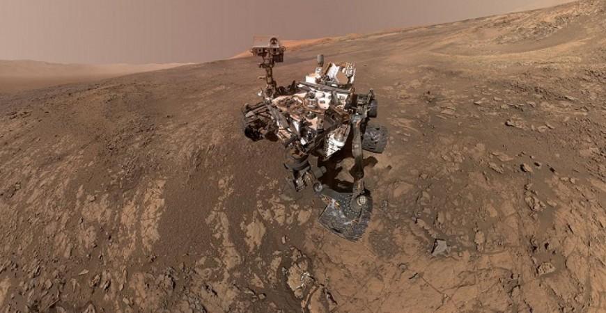 مسبار 'كوريوسيتي روفر' التابع لوكالة الفضاء الأميركية 'ناسا' على سطح المريخ (ناسا)