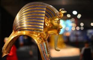 ماذا ستفعل مصر بعد بيع رأس توت عنخ آمون في بريطانيا؟