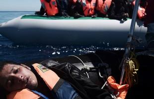 خفر السواحل التونسي ينتشل جثث 14 مهاجرا قبالة سواحلها