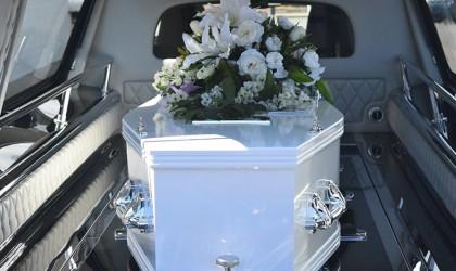 واقعة غريبة... يعود من الموت أثناء التحضير لجنازته