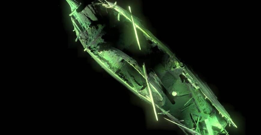 غرقت قبل 500 سنة، لكن نقص الأوكسجين في المياه حولها أبعد عنها عناصر التلف والتفتت (عن ديب سي بروداكسيون)