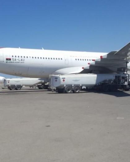 نجاة طائرة مدنية من قصف لقوات حفتر على مطار معيتيقة