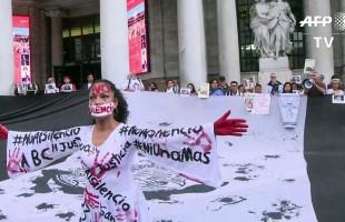 تحرير 100 امراة مكسيكية والنساء يتظاهرن ضد اغتصاب الشرطة للقاصرات