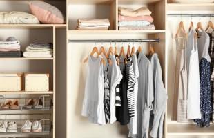 مع اقتراب الخريف تعرّف على أهم طرق للحفاظ على الملابس الصيفية