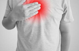 التشنج الصدري أسبابه وأعراضه وعلاجه