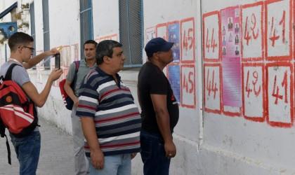 تونس تنتخب رئيسها.. والعين على جولة ثانية