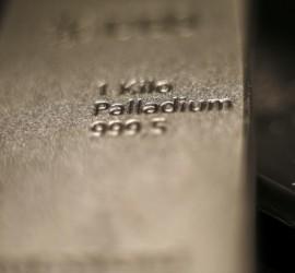 بلغ 1700 دولار لأول مرة.. البلاديوم يواصل سحب البريق من الذهب