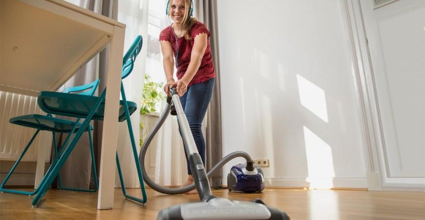 التنظيف بالمكنسة الكهربائية لـ30 دقيقة ثم مسح الأرض لـ15 دقيقة يعادل ركوب الدراجة الهوائية لنصف ساعة (الألمانية)