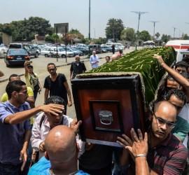 بعد وفاته بساعات... والد الفنان أحمد مكي يظهر لأول مرة