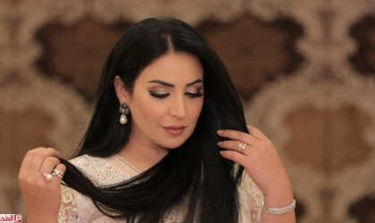 نجاح المساعيد تتزوج من ضابط يصغرها بـ 15 عامًـا.. بعد انفصالها عن ابن عم معمر القذافي!
