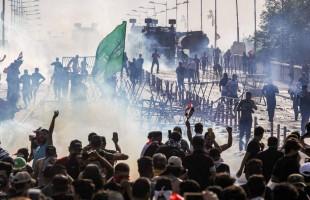 قنابل من نوع غير مسبوق تخترق جماجم متظاهري العراق