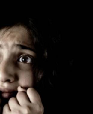 ظاهرة انتشرت في مصر .. الهوس الجنسي لكبار السن ينتهك براءة الأطفال وخبراء يفسرون السبب