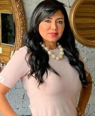رانيا يوسف تثير الجدل بهذه الصورة و الجمهور:ليه عملتي خدودك؟