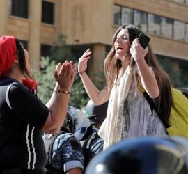 مناطق حزب الله تنتفض.. نساء الجنوب يقدن الحراك